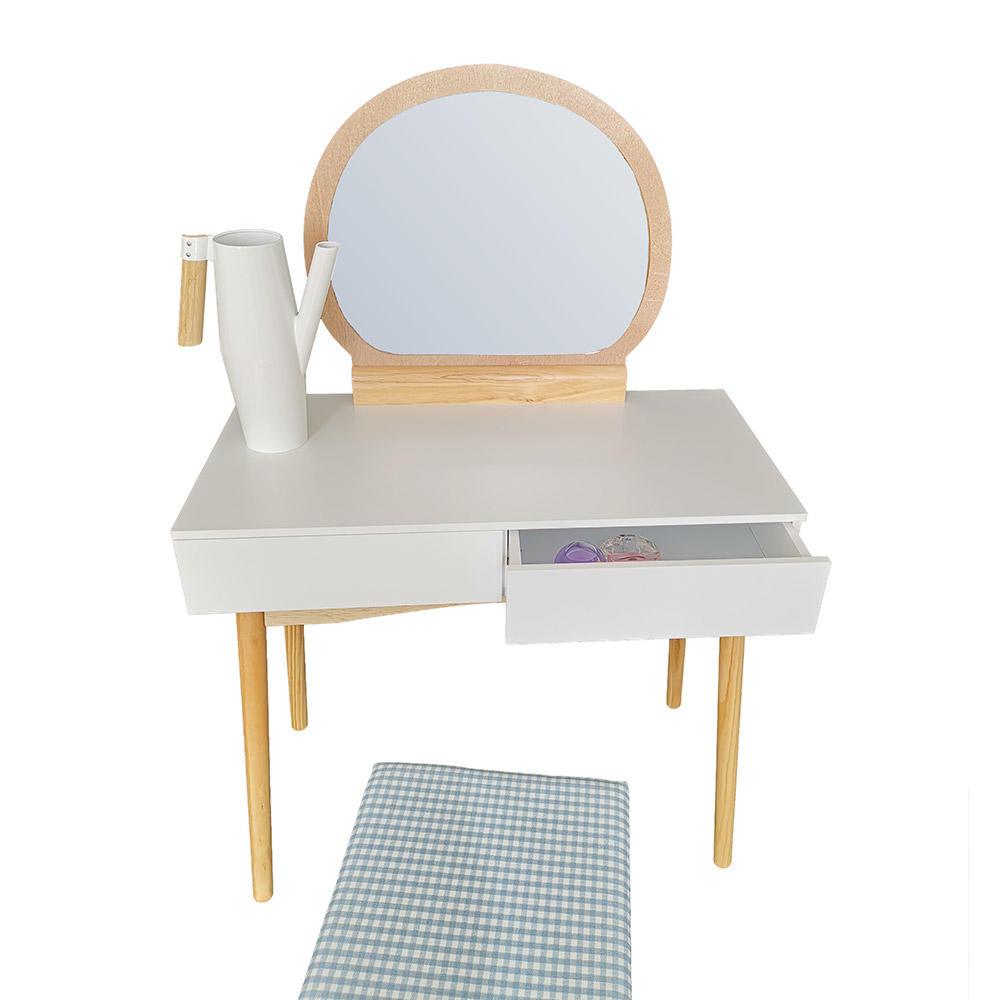 Fésülködő asztal  Louise Orleans